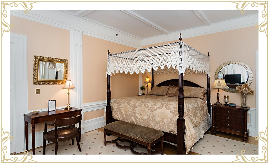 The Silver Fountain Inn | Hotels in Dover NH | Room: The Chamber