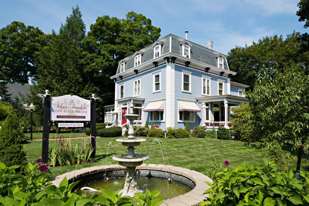 dover NH hotel and dover nh restaurant Silver Fountain Inn