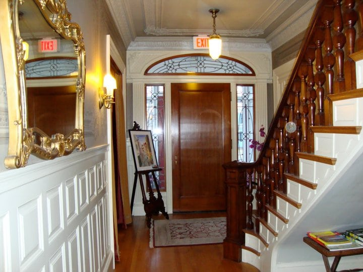 entry way to our dover nh hotel and dover nh restaurant