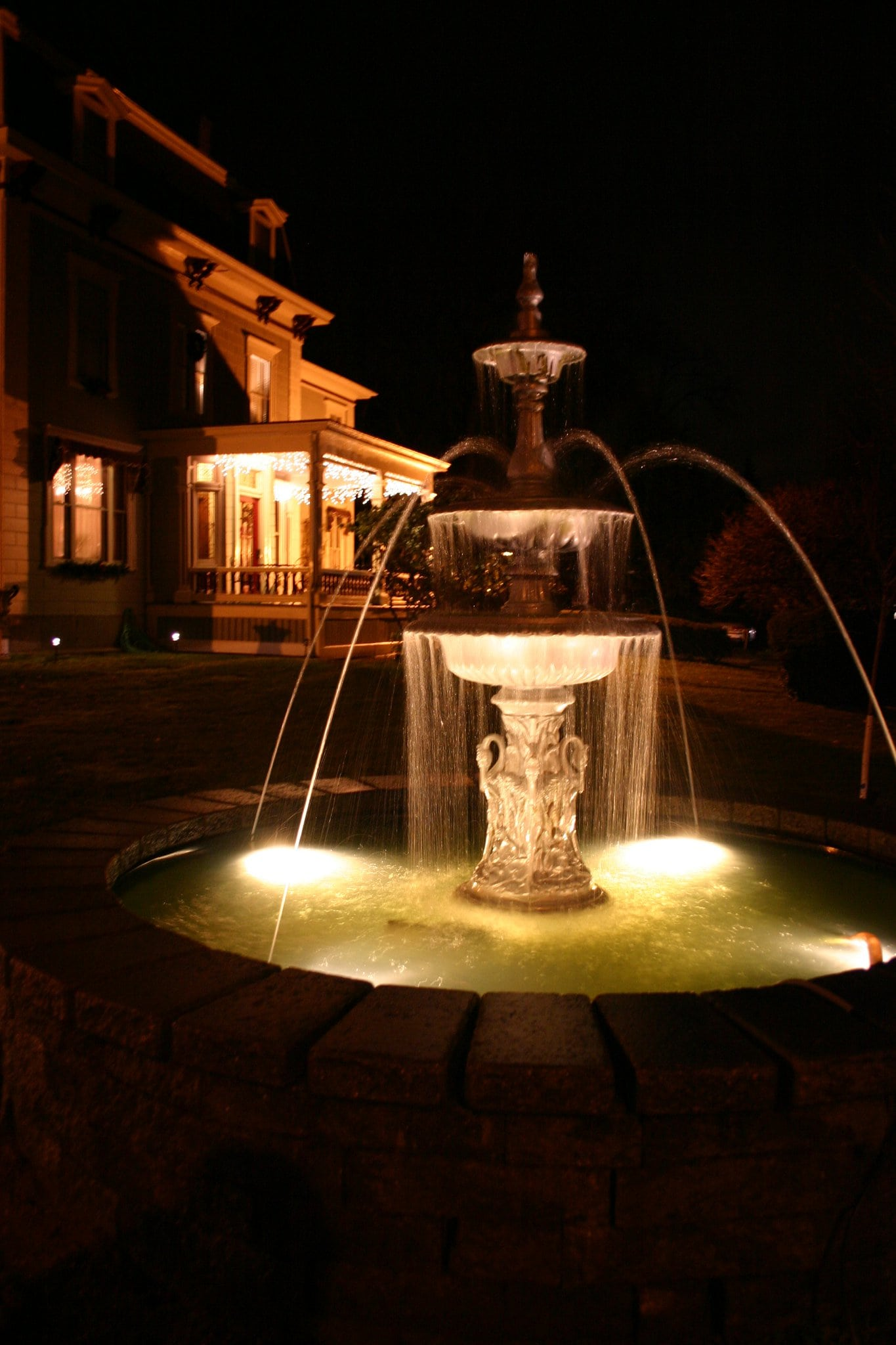 fountain night