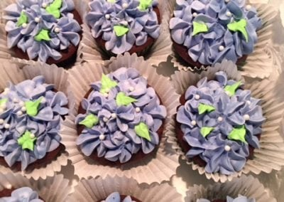 Purple hydrangea cupcakes for that summer party